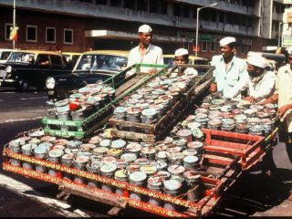 6 Sigma / ISO 9001 quality from Mumbai's semi-literate dabbawallas